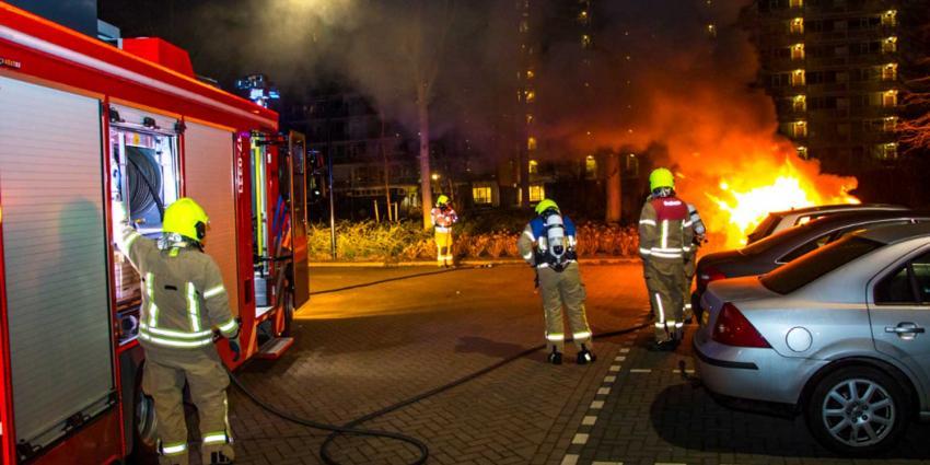 Auto Luxemburgweg Vlaardingen volledig uitgebrand