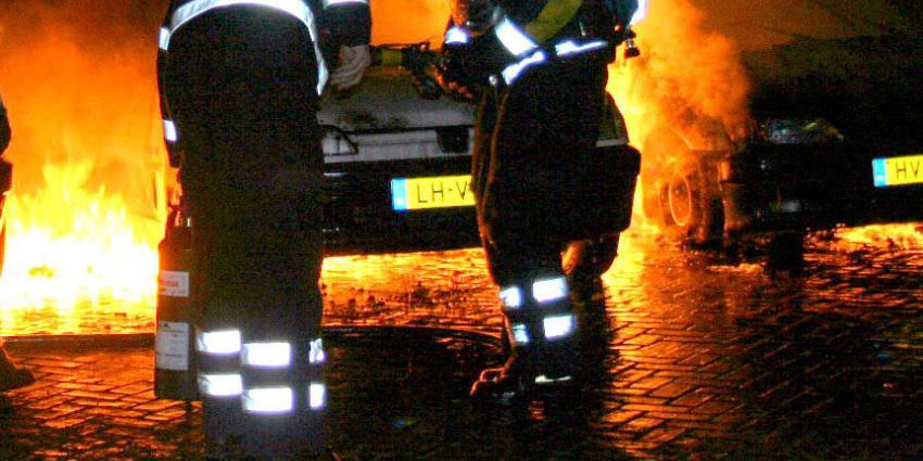 Vijf auto's in vlammen op in Amsterdam