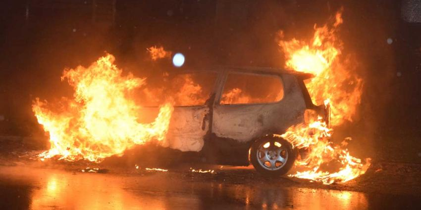 Politie onderzoekt autobrand Hoogeveen