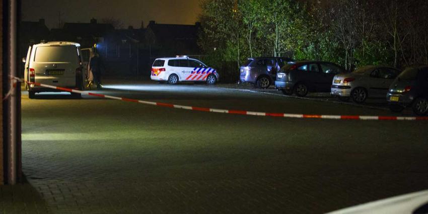 Onderzoek in auto aangetroffen gewonde vrouw (49) nog niet afgerond