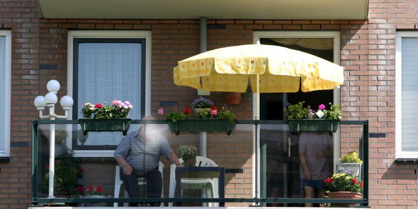 Nieuwe zorgwoningen krijgen toch weer standaard een balkon