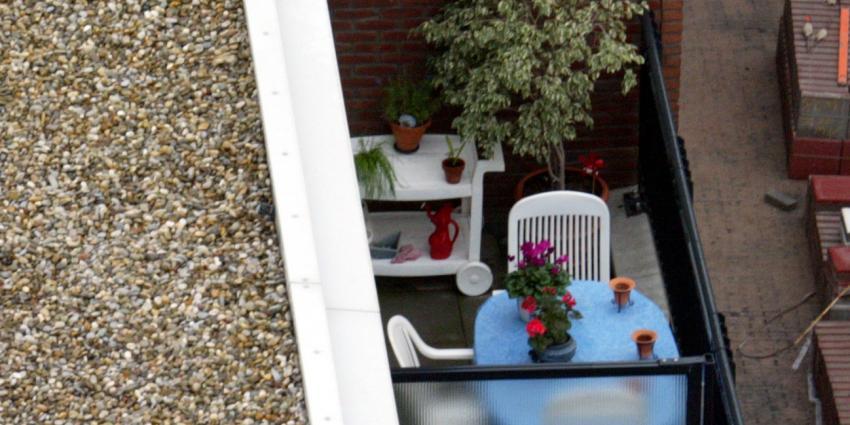 Verwarde man steekt eigen balkon in brand Breda