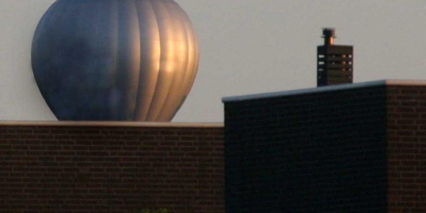 Foto van luchtballon bij woning   Archief EHF