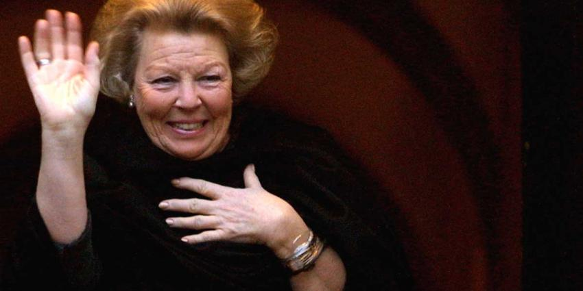 Prinses Beatrix opent Nationaal Ontbijt op Leidse school