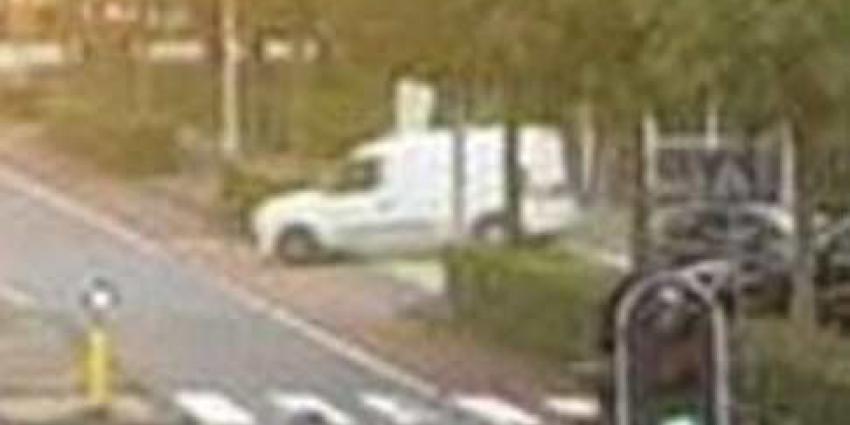 Bestelbus is mogelijk vluchtauto na moord advocaat Wiersum