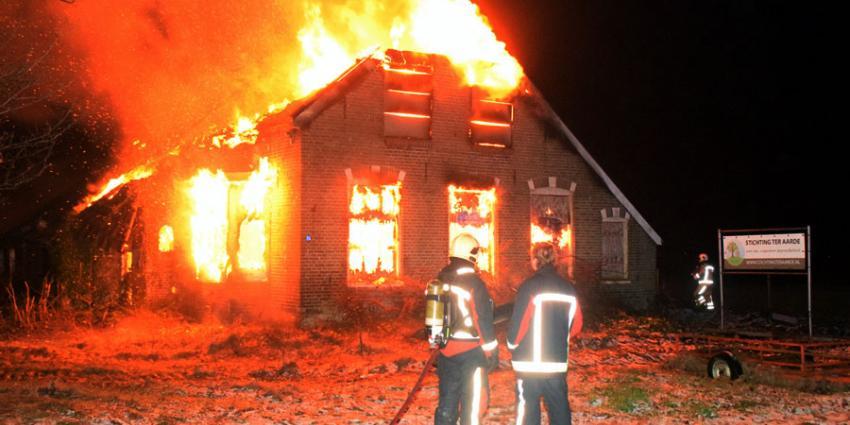 Boerderij in vlammen op in Hollandscheveld