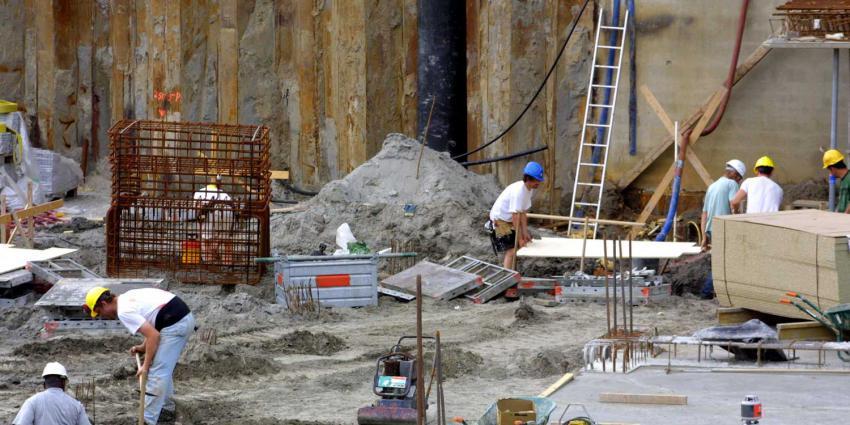 bouwvakkers-bouwput