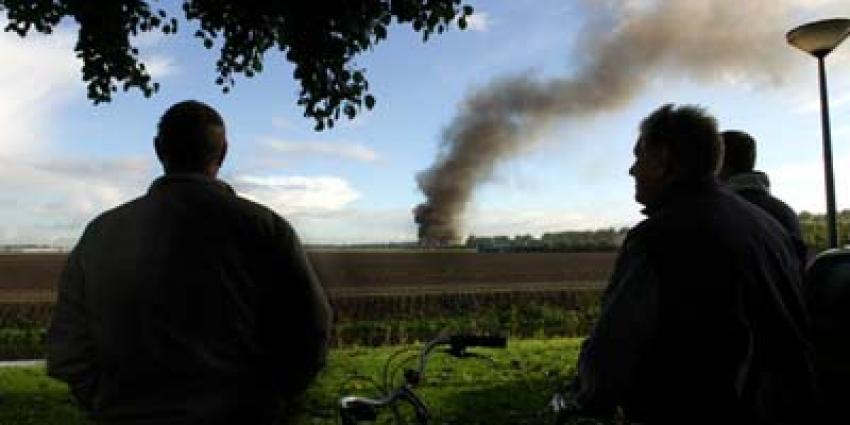 Foto van zwarte rookwolk bij brand | Archief EHF