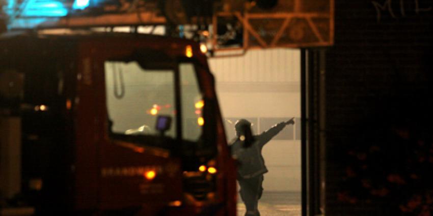 Foto van brandweer met ladderwagen in donker | Archief EHF