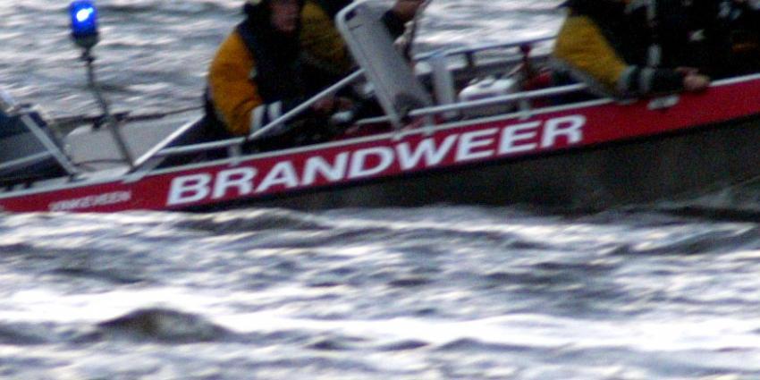 17 Opvarenden feestboot aangehouden om geluidsoverlast