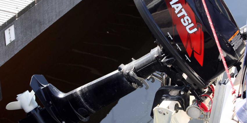 buitenboordmotor-boot