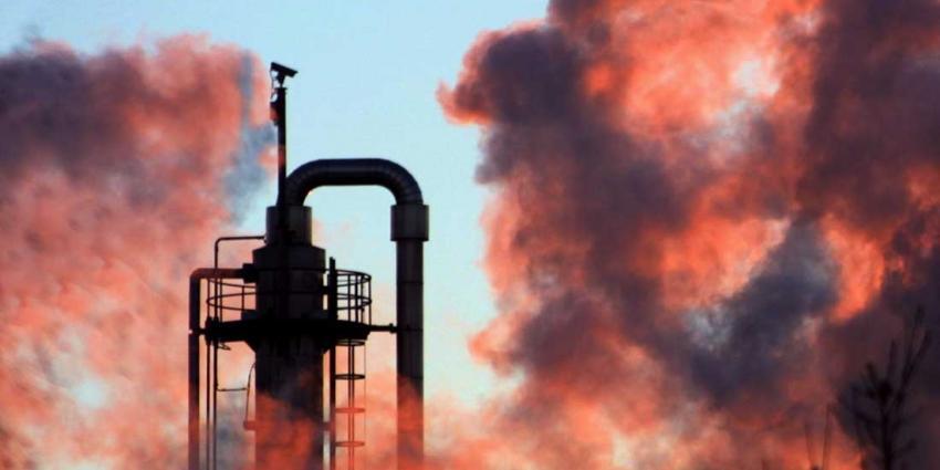 Ruim 25 ton kankerverwekkende ethyleenoxide gelekt bij Shell Moerdijk