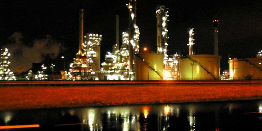 Lekkage bij Shell Rotterdam