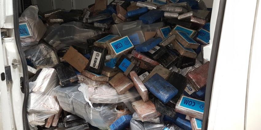 Twee aanhoudingen na onderschepping 3800 kilo cocaïne