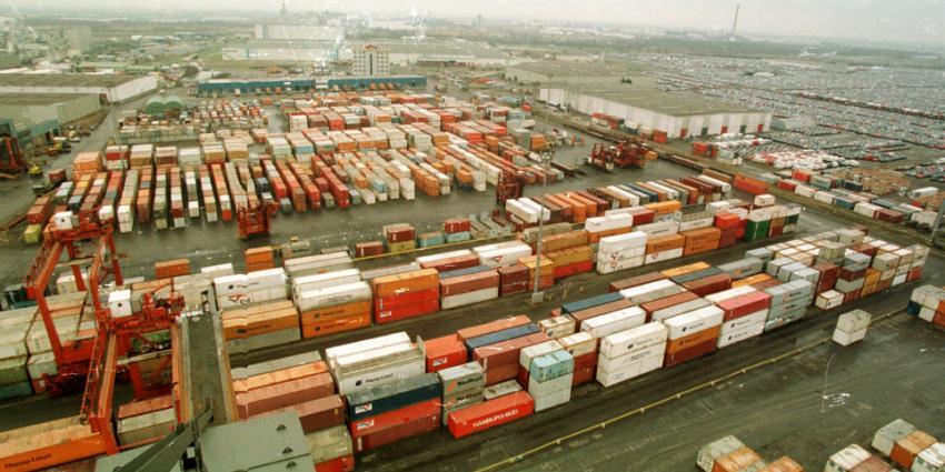 Douane faalt bij het controleren van containers