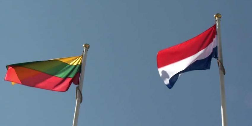 Minister-president Rutte bezoekt Nederlandse militairen in Litouwen