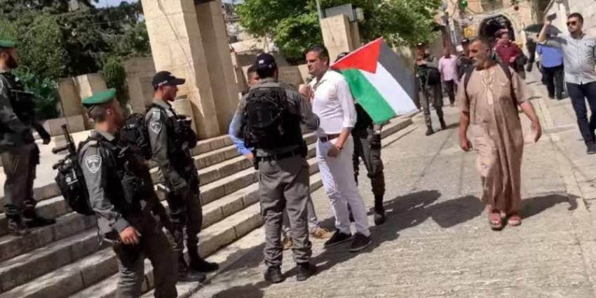 Kuzu van Denk opgepakt na provocerend optreden met Palestijnse vlag