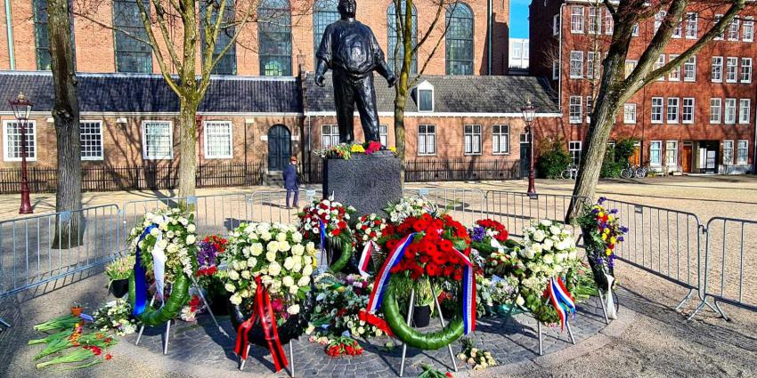 dokwerker, bloemen, herdenking, Februaristaking,