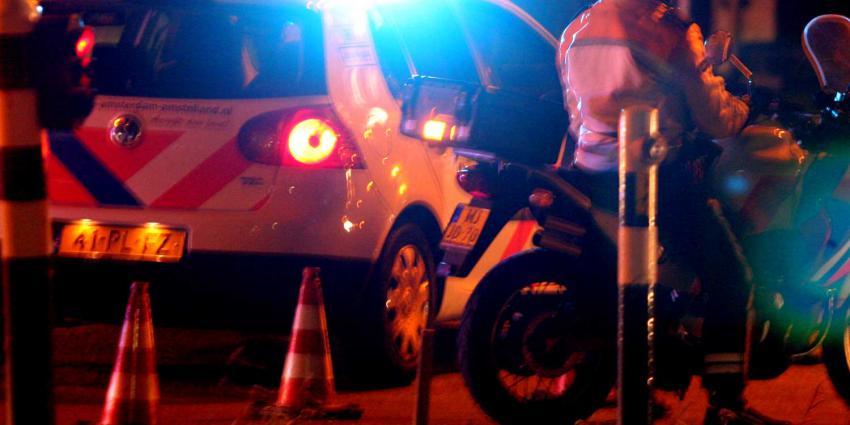 donker-politie-motor-auto