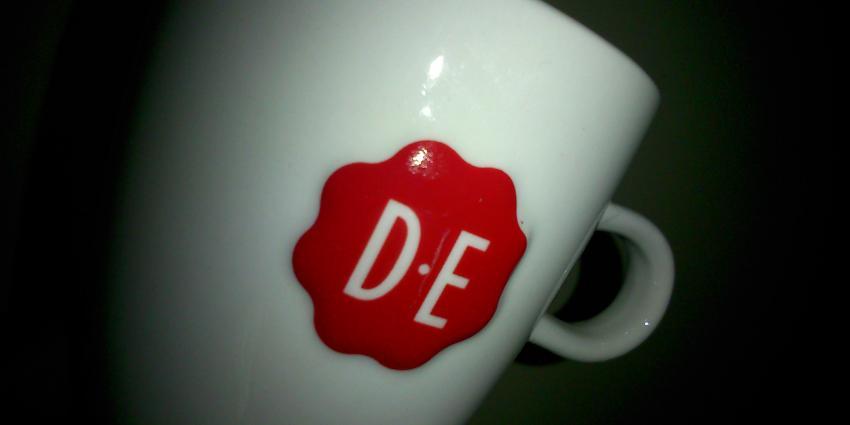 Douwe Egberts sluit café's