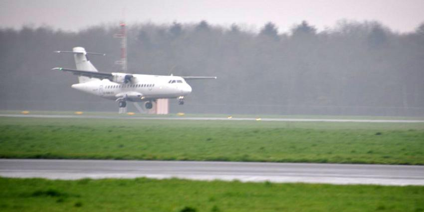 Vliegtuig maakt noodlanding op Groningen Airport om rook in cabine