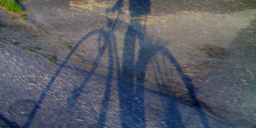 Foto van schaduw fietser   Archief EHF