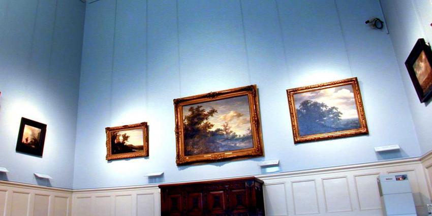 Kunst helende Bossche vader en zoon moeten 2 ton winst terugbetalen