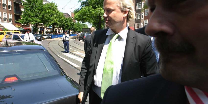Foto van Wilders met beveiliging | Archief EHF