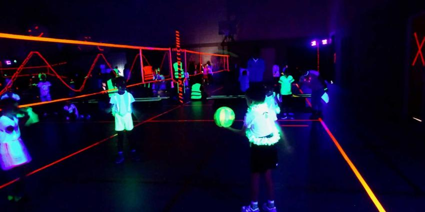 Glow in the Dark Volleybal toernooi Oudehaske spectaculair