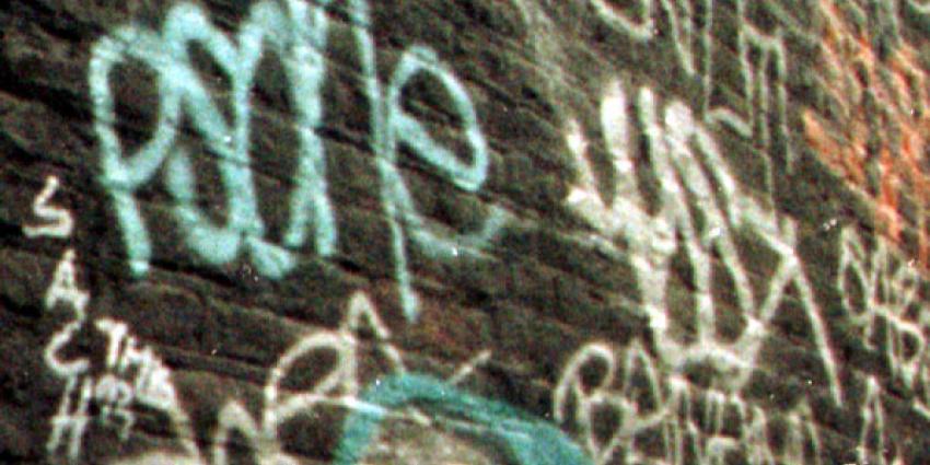 Verflucht in café verraadt toilet graffitispuiter