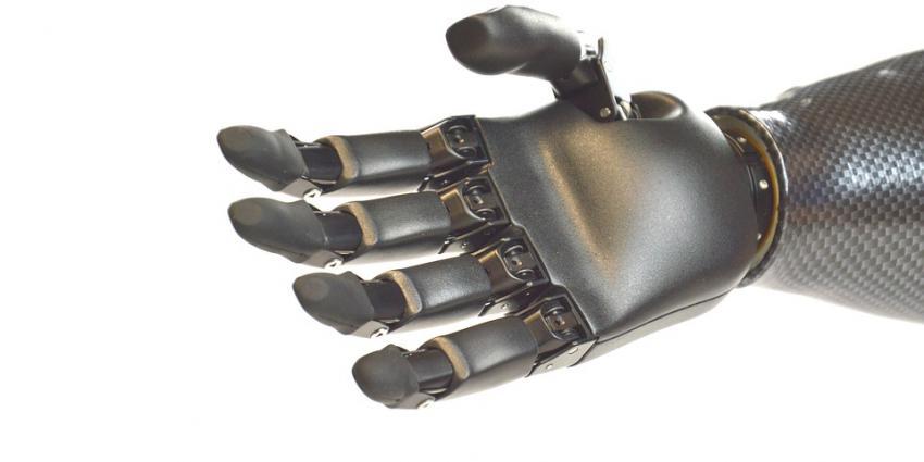 UMCG-studie naar de zorg rond handprothesen krijgt ZonMW-subsidie