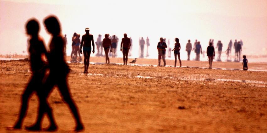Foto van hittegolf op strand   Archief EHF