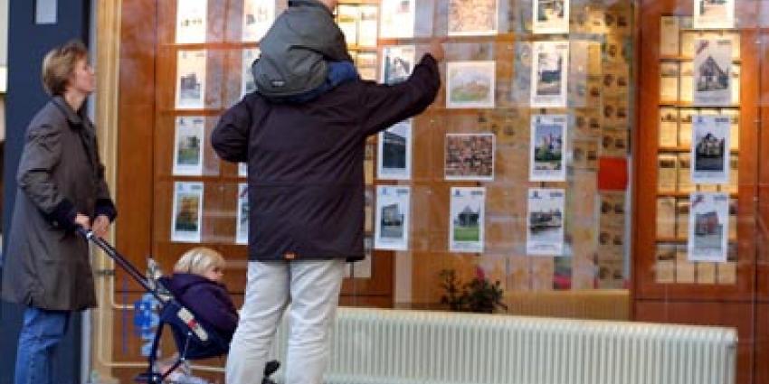 Foto van makelaar woningen huizen   Archief EHF