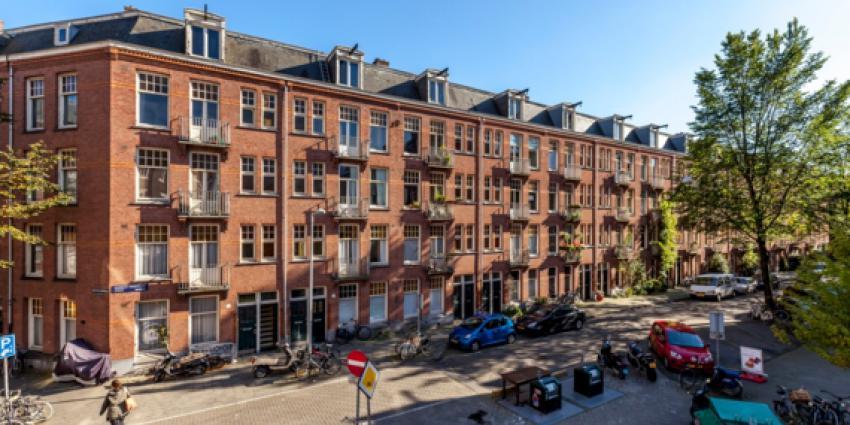 Grote vastgoeddeal van 1400 woningen in Amsterdam