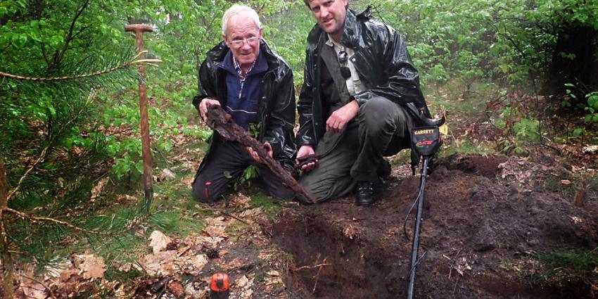Foto van de opgegraven karabijn | Staatsbosbeheer