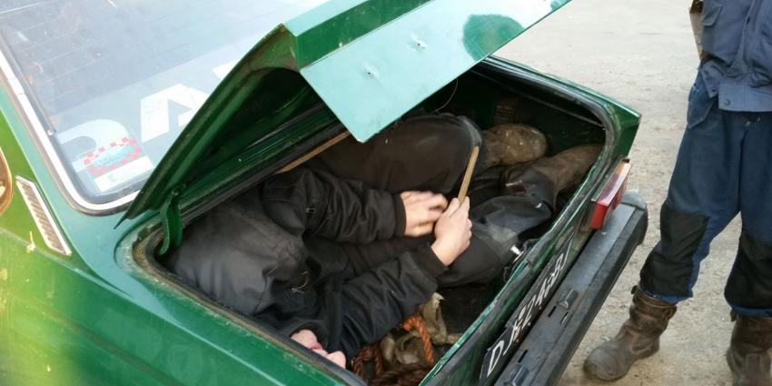 Moeder van kind-in-kofferbak op vrije voeten
