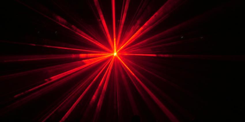 Foto van schijnsel laserpen