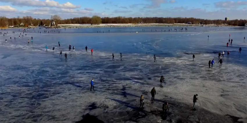 massaal-schaatsen-Paterswoldsemeer