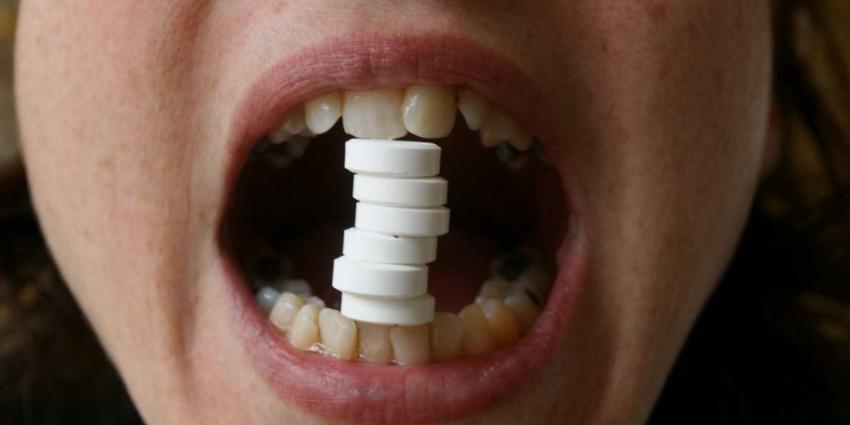 medicijn-pillen-mond