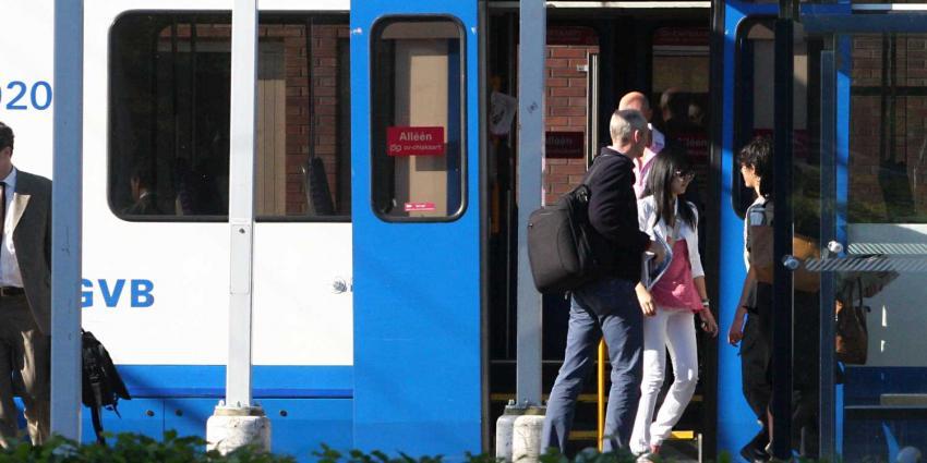 Amsterdam gaat reiskosten leraren compenseren