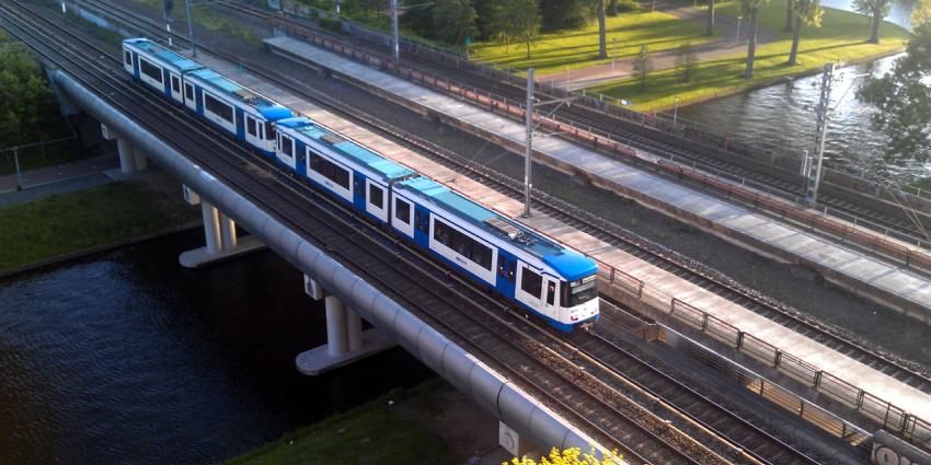Conducteur vindt 10.000 euro in metrolijn 50