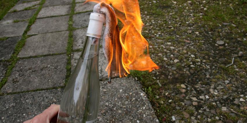 Molotovcocktail door raam woning gegooid