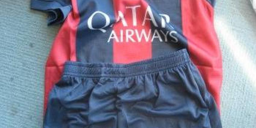 Douane onderschept vervalste voetbalkleding