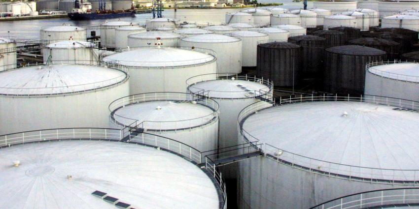 Giftige olie vanuit havens als Rotterdam en Amsterdam naar Afrika