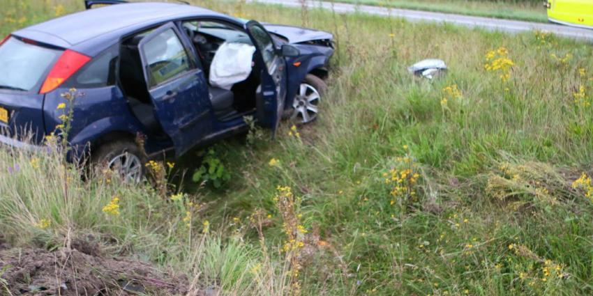 Bij een eenzijdig ongeval is een automobilist gewond geraakt. Het ongeval gebeurde op de N34 bij Borger.