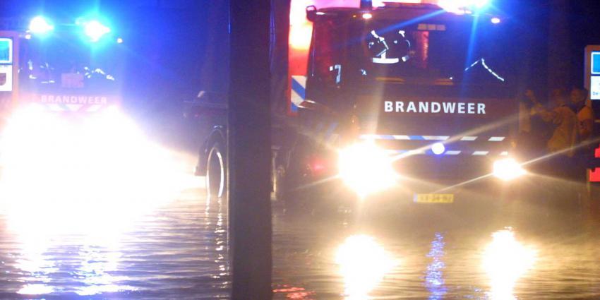 overstroming-brandweer-evacuatie