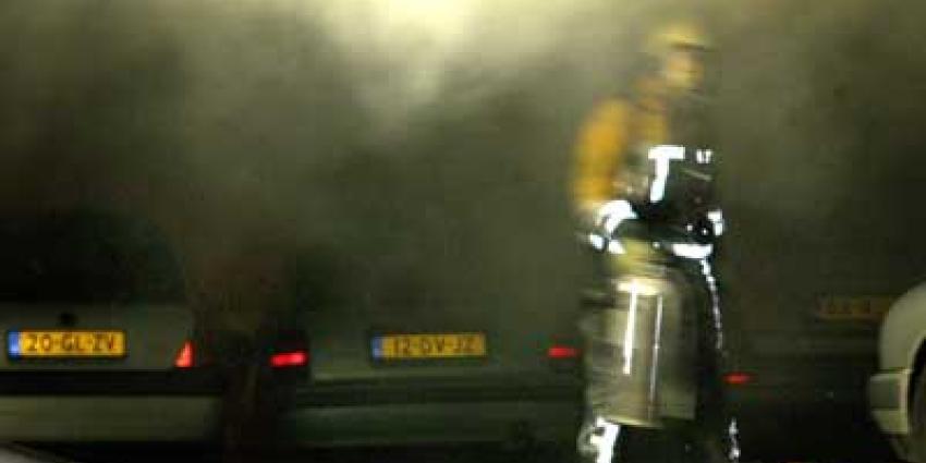 Brand ondergrondse parkeergarage Rotterdam onder controle, meerdere auto's uitgebrand