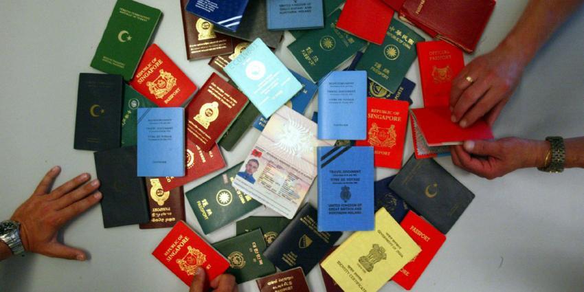 foto van paspoort   fbf