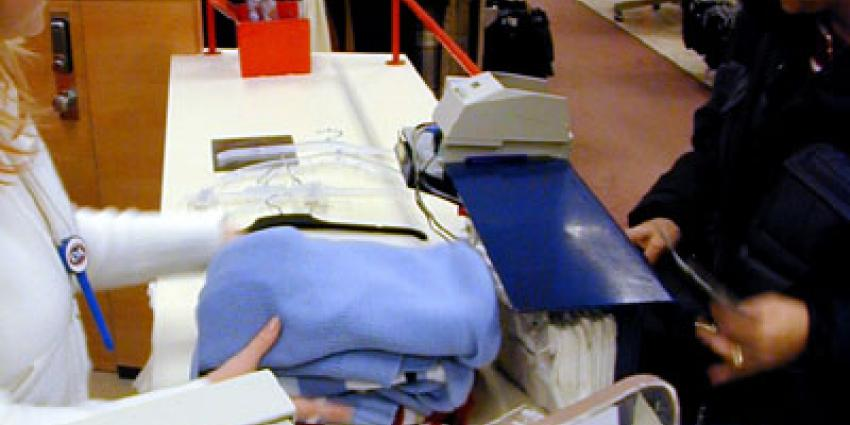 Foto van pinapparaat kledingwinkel   Archief EHF
