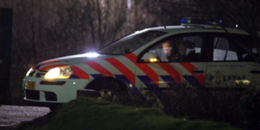Foto van politie in auto in donker   Archief EHF